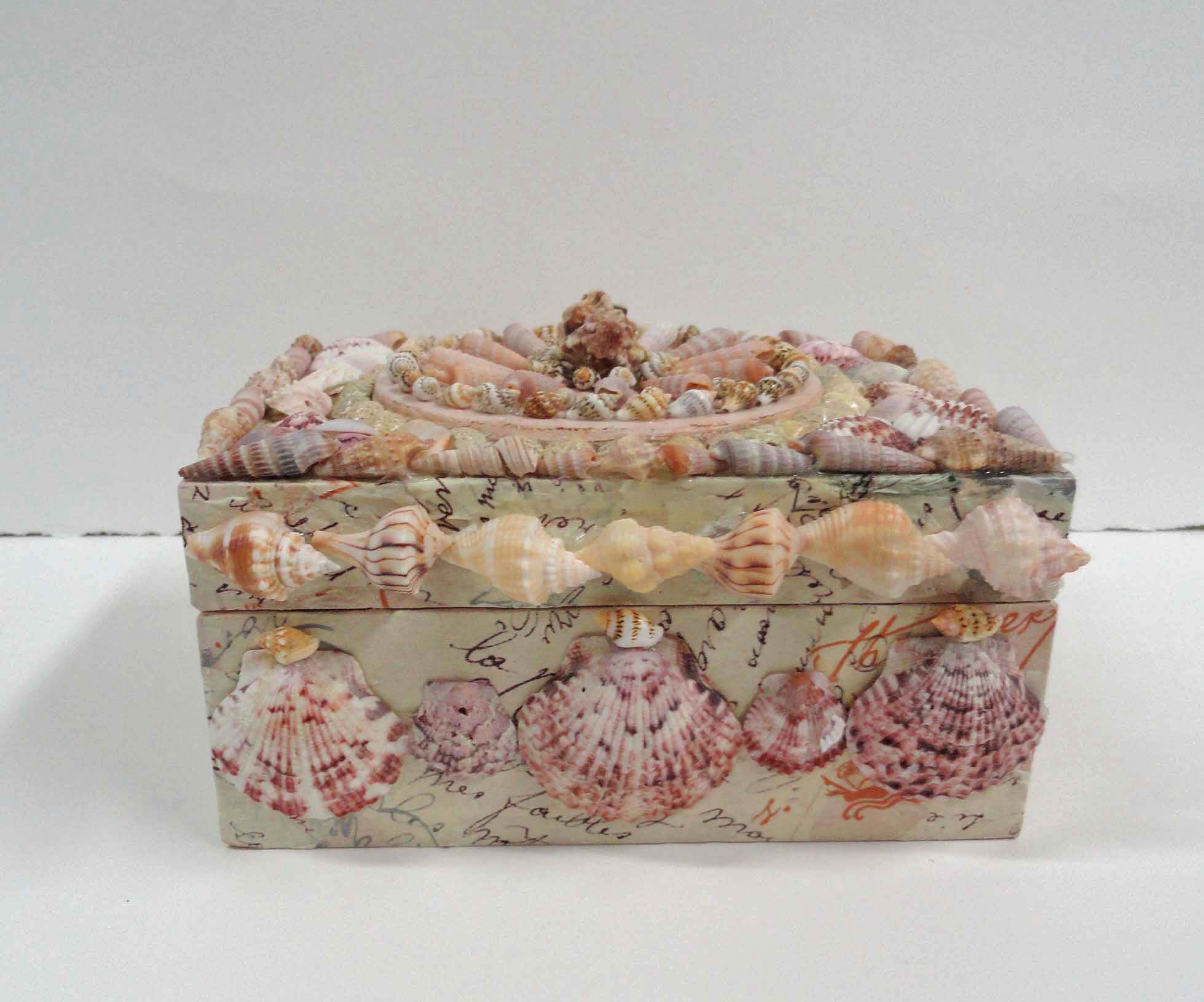 Romantic shell art box